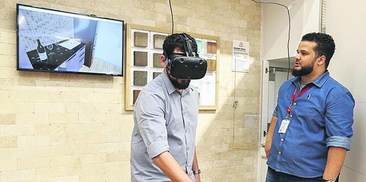 Óculos de Realidade Virtual já é usado em loja digital da Via Varejo  FOTO: Divulgação